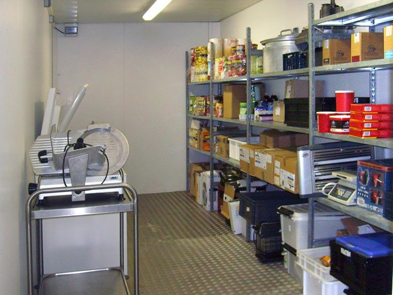 Stockage des produits en cuisine professionnelle
