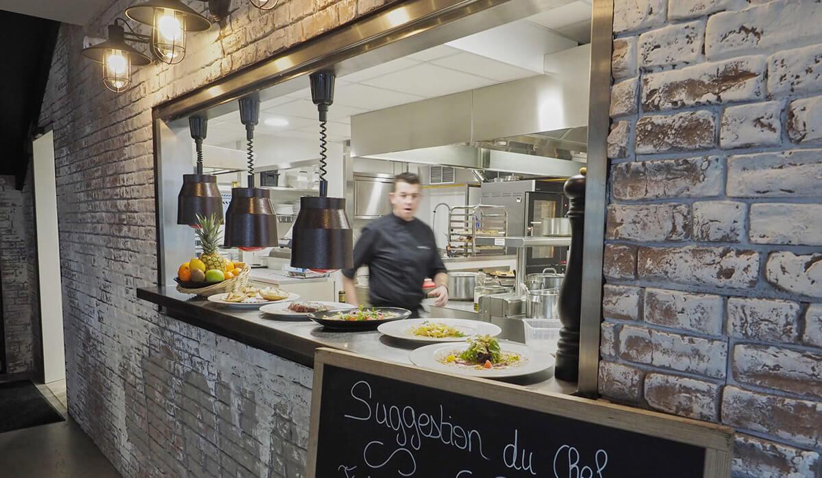Service / Passe-plat en restaurant